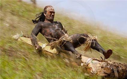 El tangata manu era el ganador de una competición tradicional en Rapa Nui. El ritual era una competición anual para obtener el primer huevo de la estación de charrán sombrío en el islote de Motu Nui, nadar de regreso a Rapa Nui y trepar el acantilado marino de Rano Kau hasta su cima cercana al poblado de Orongo.
