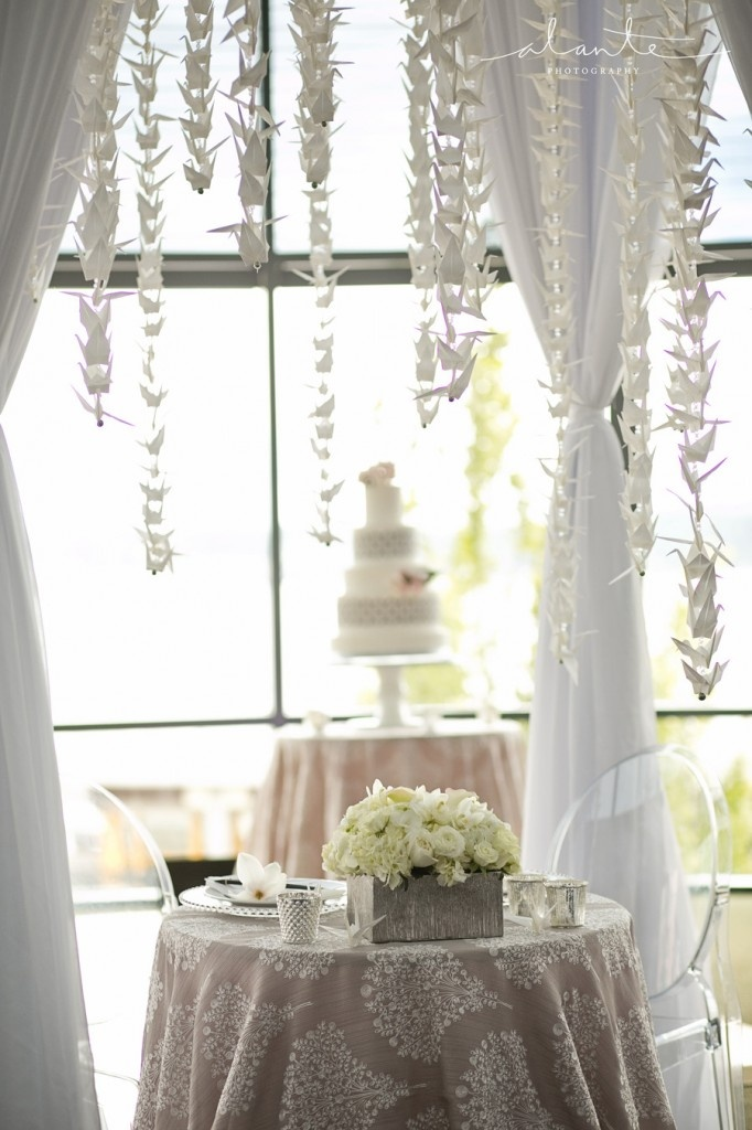 Cranes and Cake | Modern Japanese Wedding Inspiration | World Trade Center Seattle Wedding | Seattle Wedding Planner | New Creations Wedding Design & Coordination | Alante Photography