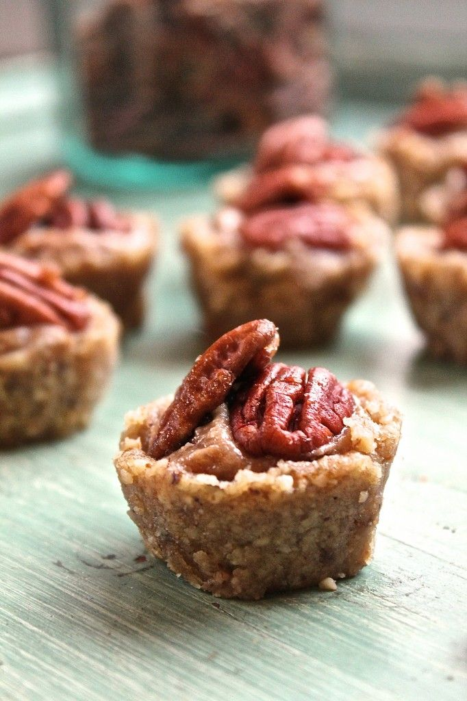 Raw Pecan Pie Tartlets - raw vegan walnut tart shell with a