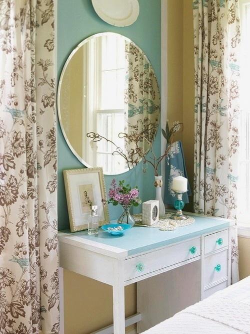 Aparador: Bathroom Design, Round Mirror, Bedrooms Vanities, Glasses Knobs, Bedrooms Window, Modern Bathroom, Design Interiors, Shower Curtains, Bathroom Interiors Design