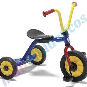 Este es el clásico #triciclo para #niños con pedales y asiento ajustable. Horas de entretenimiento sobre este #triciclo y más aún si se le acopla el remolque. Recomendado por #Multididcticos. Para niño sentre 2 hasta 4 años. #Bicicletas para #infantil