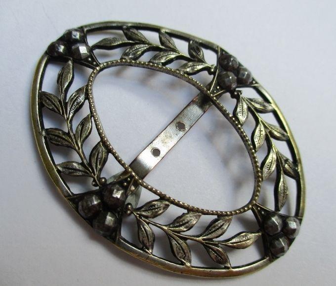 BEAUTIFUL ANTIQUE VINTAGE METAL & CUT STEELS SHOE? BUCKLE LEAVES & BERRIES noelhumphrey on eBay.co.uk