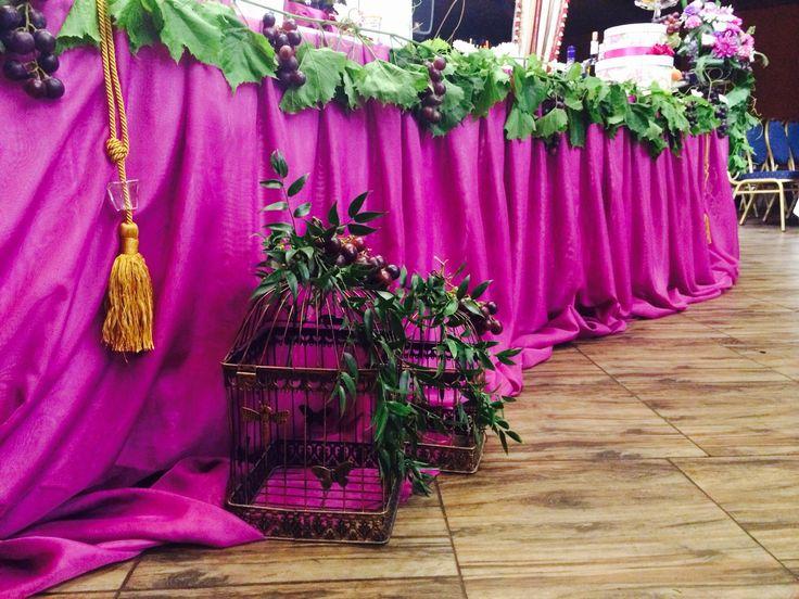 Яркая и сочная виноградная свадьба