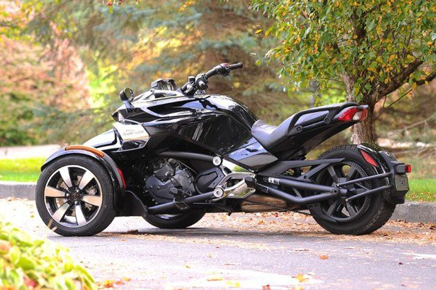 2015 Can-Am Spyder F3 has an all-new Rotax 1,330cc 3-cylinder engine with manual 6-speed transmission or semi-automatic SE transmission. Total power is claimed at 115hp and 96 ft-lb of torque.It is mine, I wish, <3!!!