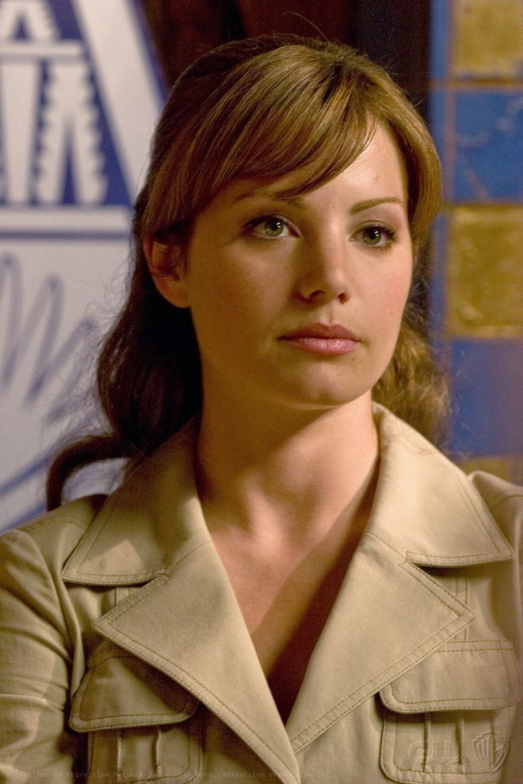 Lois Lane was played by Erica Durance on Smallville.(I thought she really did the best Lois after Margot)