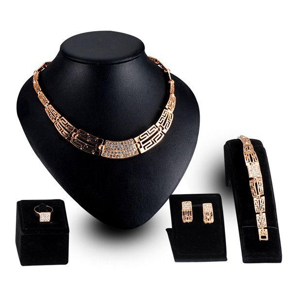 China Aliexpress Hot Selling Etnische Sieraden Set Goud Kleur CZ Diomand Hanger Armband Oorbellen Ring Set Vrouwen Luxe Sieraden