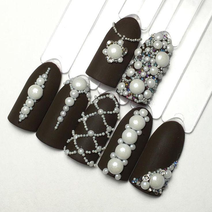 Девочки в наличии керамические жемчужинки, держатся и носятся идеально, блеск не теряют! 100₽- 50шт. #многостраз #курсыманикюра #курсыновосибирск #ногтинов�