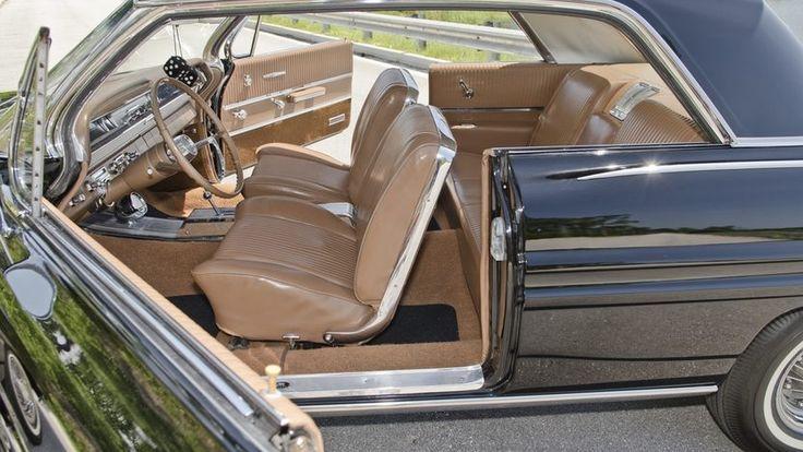 1962 Pontiac Grand Prix Hardtop - 4