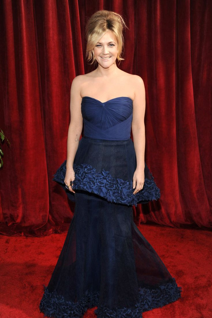 The Drew Barrymore Look Book in 2020 | Fashion, Strapless ...