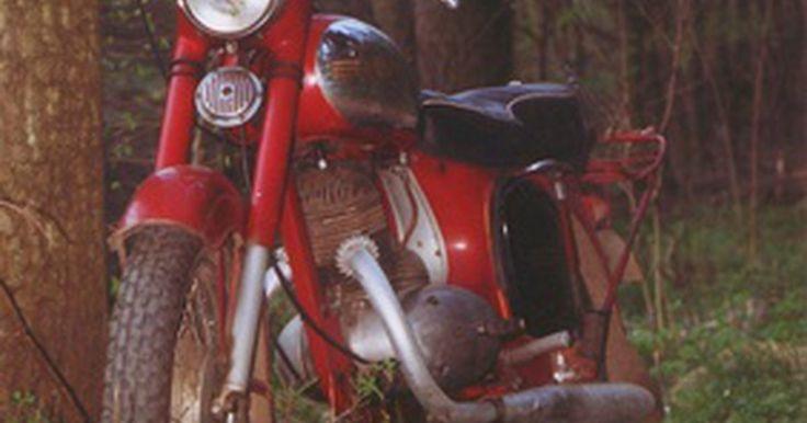 Técnicas para ventas de motocicletas. Los compradores de motocicletas son apasionados sobre sus marcas favoritas y el estilo de vida involucrado con tener una motocicleta. Puede ser difícil entregar tu moto debido a todos los buenos recuerdos que tienes sobre ella, pero eso es lo que puede ayudarte a venderla más rápido. La venta vendrá fácilmente si ofreces la motocicleta a un precio ...
