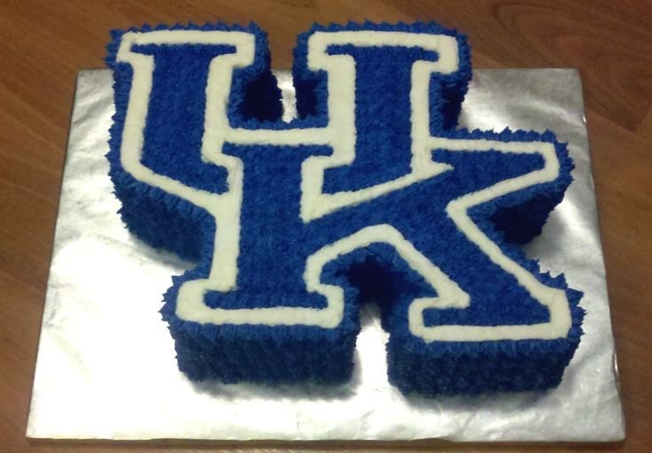 University of Kentucky (UK) Cake