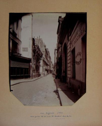 Blanchisserie teinturerie St Michel, rue Séguier, vue prise de la rue Saint-André-des-Arts, 6ème arrondissement, Paris | Paris Musées