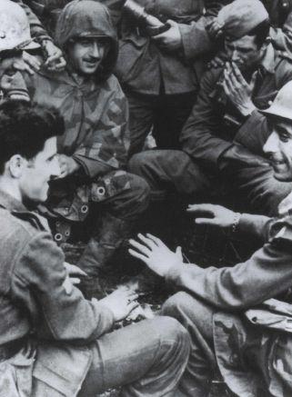 Soldados españoles intentando entrar en calor (FDA, Osprey, 31)Imagen
