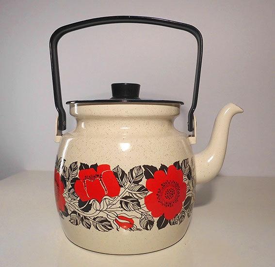Finel Arabia Enamel Tea Pot. via Etsy.