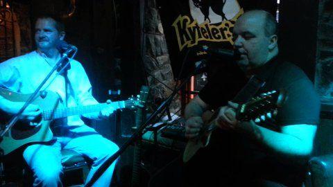 #livemusic with #RaglanRogues at Kytelers Inn, Kieran St, Kilkenny