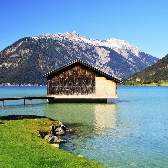 Du möchtest einen sommerlichen Badeurlaub erleben und dafür am besten gar nicht weit reisen? Dann ist Maurach am Achensee dein …