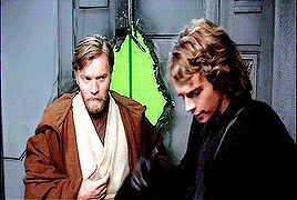 Hayden Christensen and Ewan McGregor goofing off on set of Star Wars behind-the-scenes.