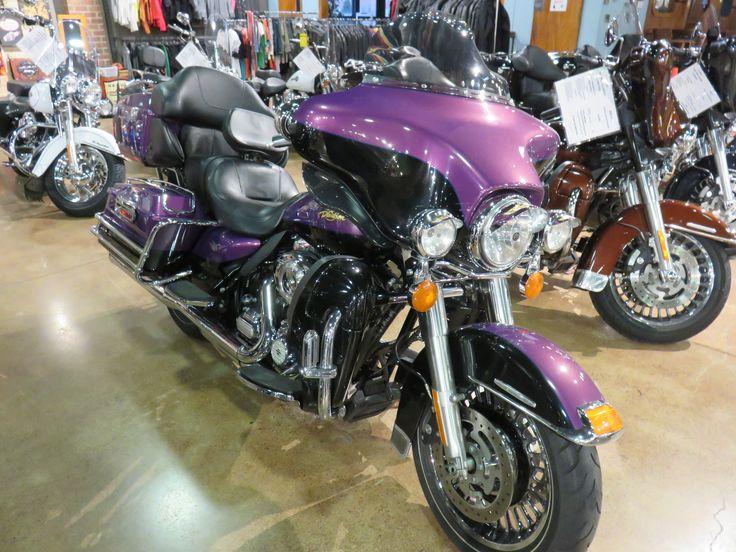 2011 Harley-Davidson® Electra Glide® Ultra Limited. Two-tone Psychedelic Purple / Vivid Black (Custom Color) Factory security, cruise control, GPS mount, Hi-way pegs, Clockwerks windshield, Headlight visor trim,