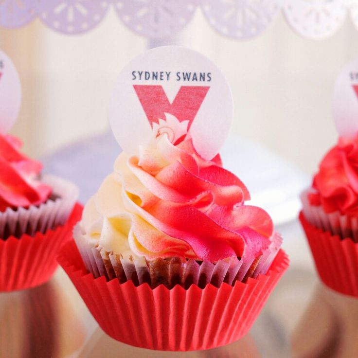 Sydney swans vs hawthorn AFL finals cupcakes with wafer paper toppera
