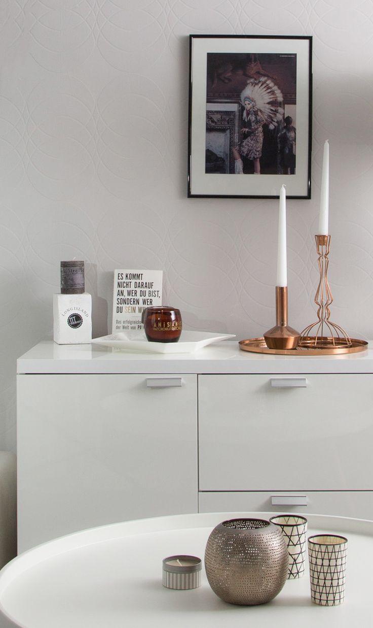 wohn deko als akzente im hellen raum durch kupfer elemente. Black Bedroom Furniture Sets. Home Design Ideas