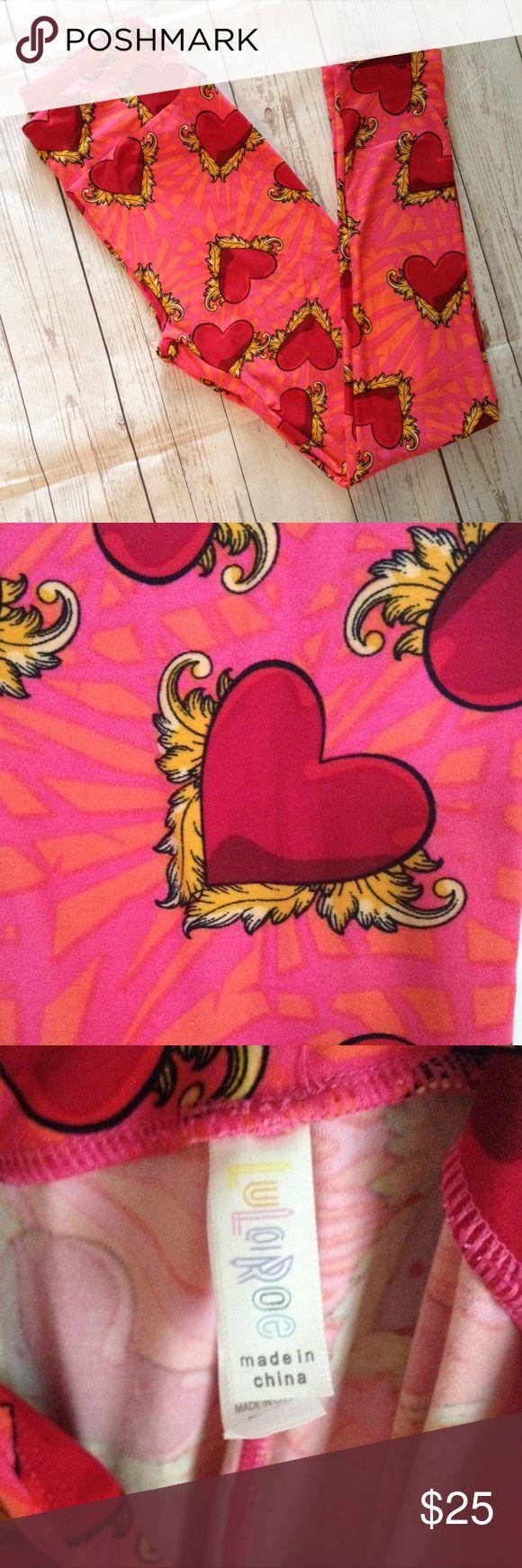 BNWT LuLaRoe OS Heart Leggings Pink and orange base.  Red hearts, gold accents. LuLaRoe Pants Leggings