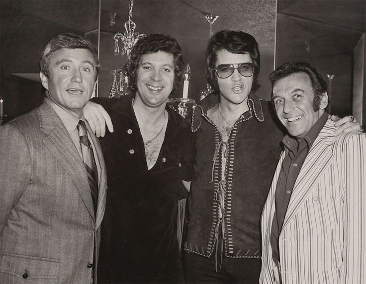 Backstage at Caesar's Palace, or in Tom Jones' suite in Las Vegas with Merv Griffin, Tom Jones and Norm Crosby on the evening of May 8 (Sat) or 9 (Sun), 1971
