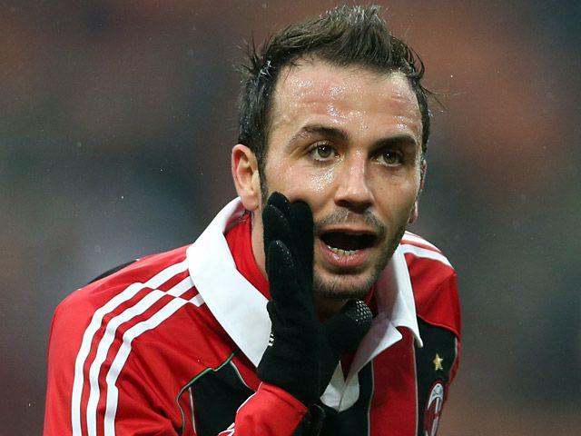 Milan sẵn sàng cho phép Giampaolo Pazzini ra đi