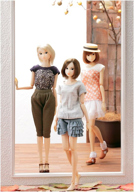 Ambivalent Girl, Wake-Up 18 and Wake-Up Azone redressed! Adorable, aren't they?
