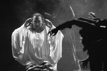 Умер российский исполнитель главной роли в мюзикле «Иисус Христос — суперзвезда» http://mnogomerie.ru/2017/03/07/ymer-rossiiskii-ispolnitel-glavnoi-roli-v-muzikle-iisys-hristos-syperzvezda/  Олег Казанчеев Актер Олег Казанчеев, первый в России исполнитель роли Иисуса в рок-опере «Иисус Христос — суперзвезда», умер в возрасте 61 года. Он скончался в понедельник, 6 марта, в Москве после продолжительной болезни. Об этом сообщается в Facebook театра имени Моссовета, на сцене которого шла…