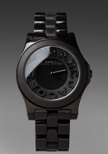 Montre pour femme : Montre pour femme : love this black marc jacobs watch with the crystals