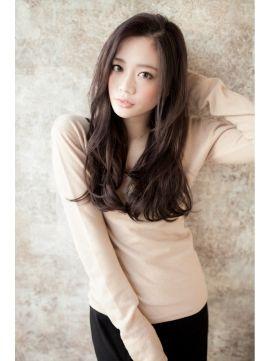 アフロート ジャパン AFLOAT JAPAN Iラインのロングヘアは大人っぽく、巻くのが苦手な人におすすめ