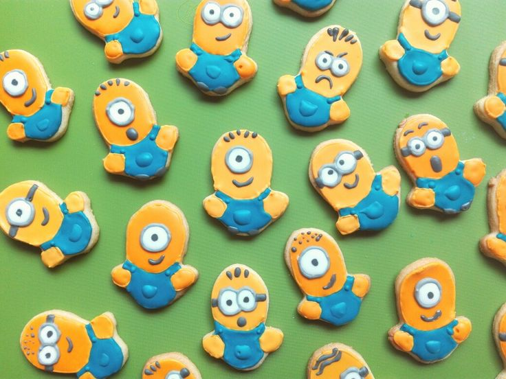 Minions Cookies Royal icing