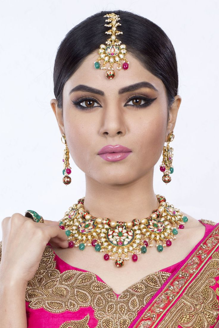 Jewellery has the power to be this one little thing that can make you feel unique..#rent #jewelry #bridaljewellery #indian #bengali #partyjewellery #wedding #calcatta #renting #jewellery  By Naicy Professional Makeup And Photo Studio... For Jewellery Rent..  Please Call Us at:+ 9830268775  Or email us at: info@naicystudio.com For more information please visit our website:- www.naicystudio.com
