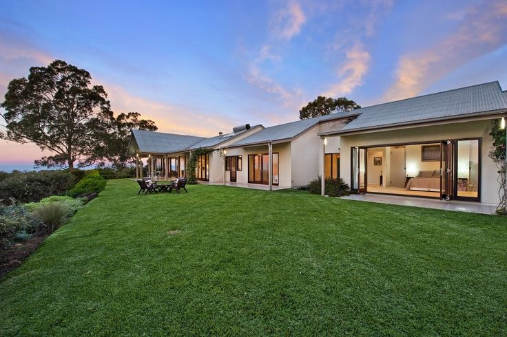 184 Sunrise Drive, Ocean View 4 Bed 3 Bath 4 Car  http://www.belleproperty.com/buying/QLD/City-and-North/Ocean-View/House/70P0010-184-sunrise-drive-ocean-view-qld-4521