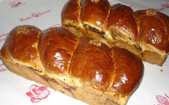 Cozonacul de post fără frământare (reţetă) poate fi preparat şi la maşina de făcut pâine FOTO: Arhivă Adevărul
