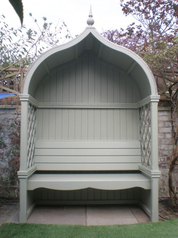 Custom seating arbour