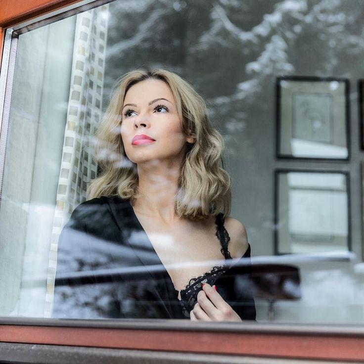 Bielizna @ermannoscervino jest cudowna  Dajcie znać czy podobają Wam się takie zdjęcia - jeśli tak postaram się je robić nieco częściej  #polishgirl #blondegirl #sexy #bielizna #lingerie #selfie #redlips @apapatpoland