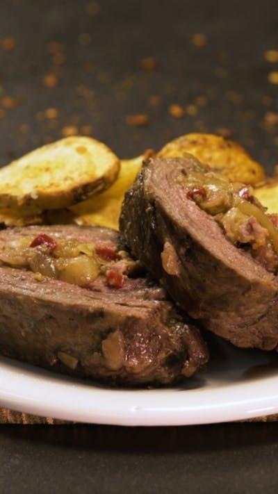 Carne Rellena con todos tus ingredientes favoritos, acompañada de unas Crocantes Papas al horno