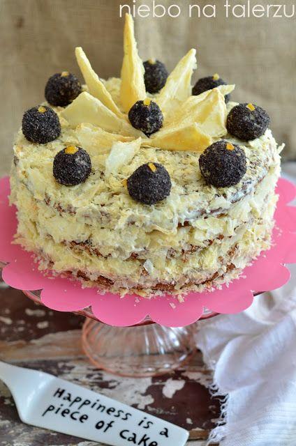 napoleoński tort makowy, bardzo efektowne ciasto z biszkoptem z makiem, kremem jak z napoleonki oraz listkowanym ciastem francuskim.
