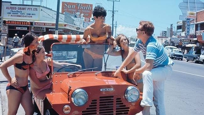 Not sure why , but i like this Moke , Australian gold coast sometime in the 70s ..