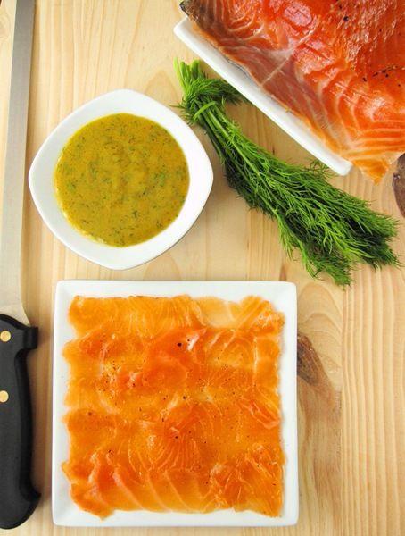 Gravlax with dill and mustard sauce: Gravlax With Mustard Sauces, Gravlax Transluc Cure, Recipes Savoury, Cure Salmon, Food Mmm