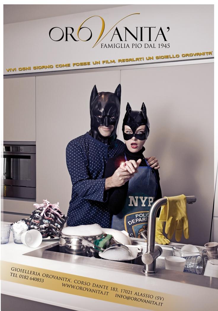 """Ispirato al film """"Batman il ritorno""""  """"Vivi ogni giorno come fosse un film. Regalati un gioiello Orovanità""""  [produzione a cura di #UAUCollective]  #adv #orovan2012 #gioielli #creativita #fashion"""