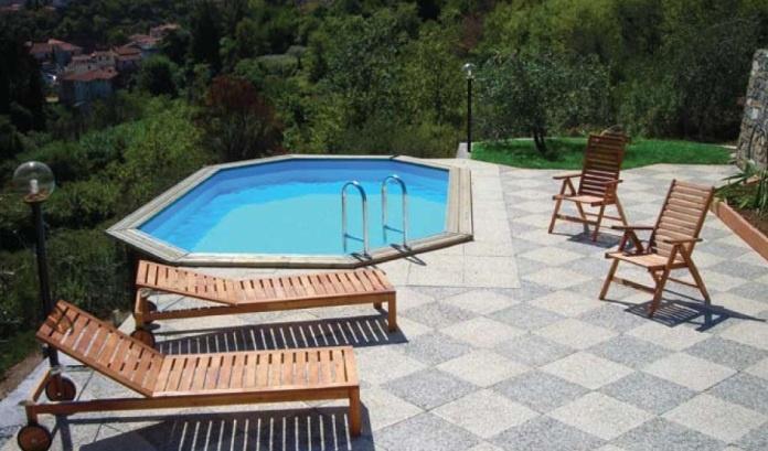 -Piscina in legno Onda New - Realizzate con legno nordico trattato in autoclave, che assicura una protezione a lunga durata contro i parassiti e le intemperie. #piscine #esterno #relax #design