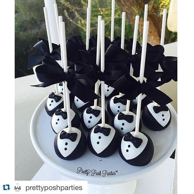 So perfect! Love these tuxedo cake pops!
