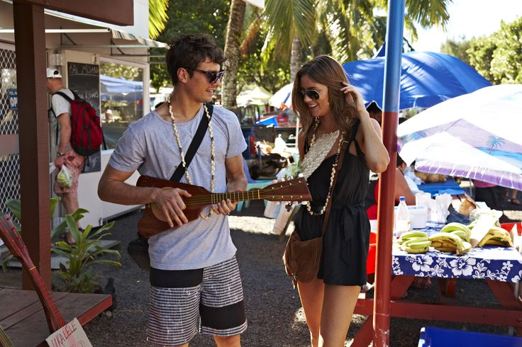 Explore the Saturday morning Punanga-Nui-Market's. Pick up some local arts and crafts, enjoy yummy local food and watch free performances on the main stage.