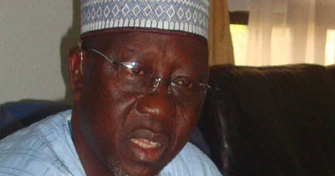 Nasarawa State governor Umaru Tanko Al-Makura has said that henceforth traders will not be allowed to display their goods along the Keffi-Abuja highway. Al-Makura disclosed this while answering question from journalists in Karu international market after a meeting with government officials in preparation for the commissioning of the market next month. Governor Al-Makura said that traders who display their goods on Friday market days in Masaka will henceforth not be allowed to do so. He…