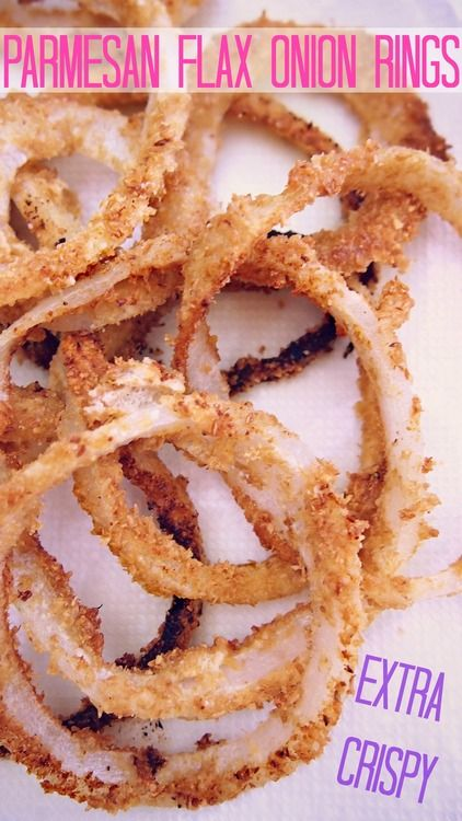 Low carb onion rings with breading made of flax seeds.