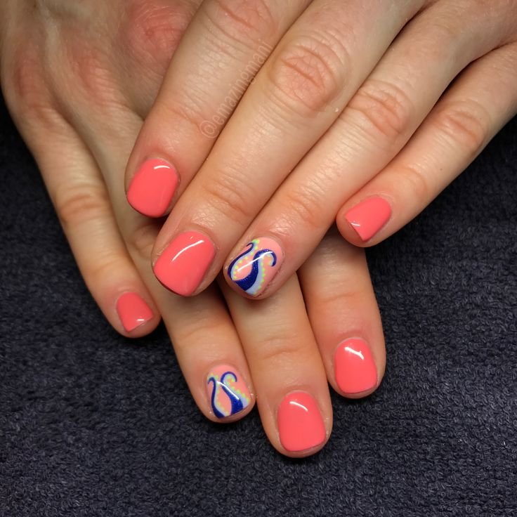 IG @emazingmani Nail art  Summer nails  Octopus Essie gel peach side babe