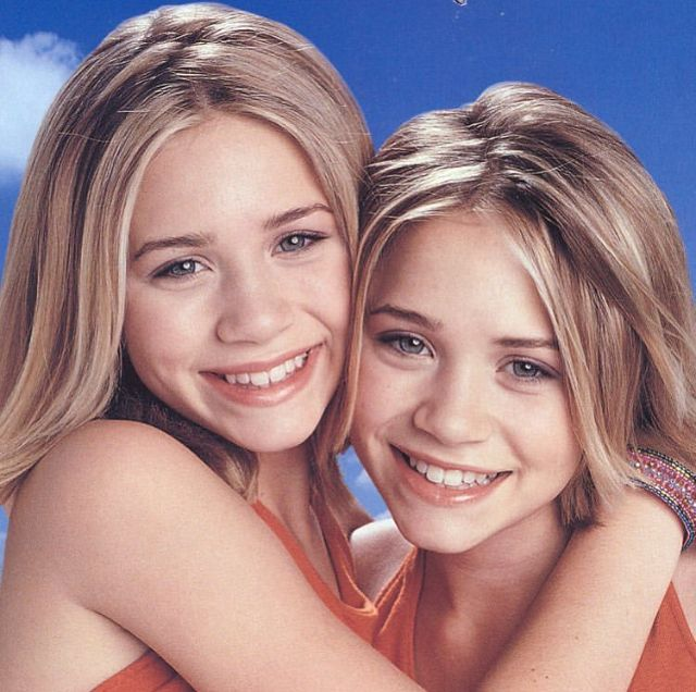 Ashley Left Mary Kate Olsen Olsen Twins Olsen Sister Olsen Twins Style