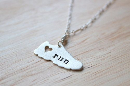 Loves this!!! Want!: Fit, Style, Gifts Ideas, Half Marathons, Jewelry, Runners, Charms Bracelets, Daily Motivation, Necklaces